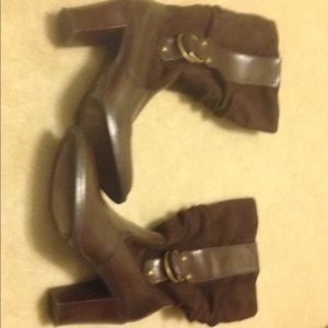 Women's soft brown Xhilaration boots size 5.5